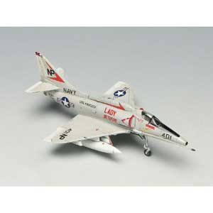 "PLATZ 1/144 Skyhawk ""Lady Jessie""(2kits in a box)"